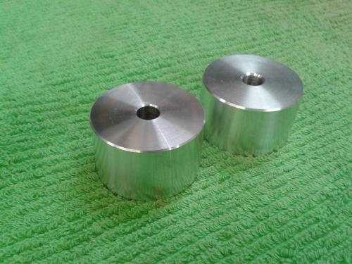 Spacers for axle